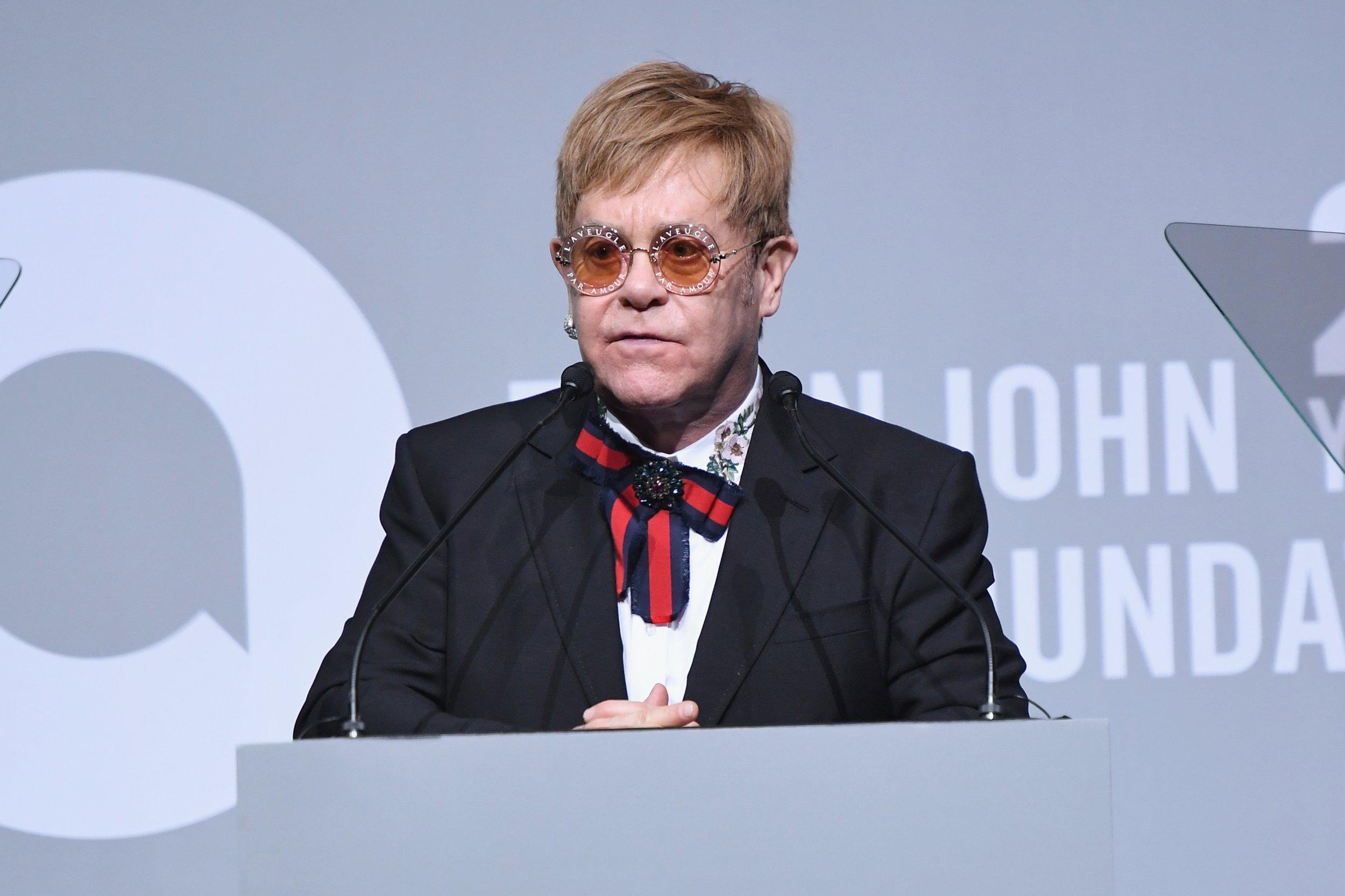 12_4_Elton_John
