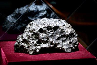 12_04_meteorite