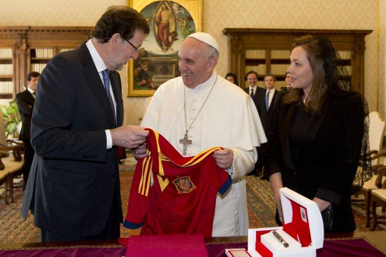 12_4_Spain_Pope