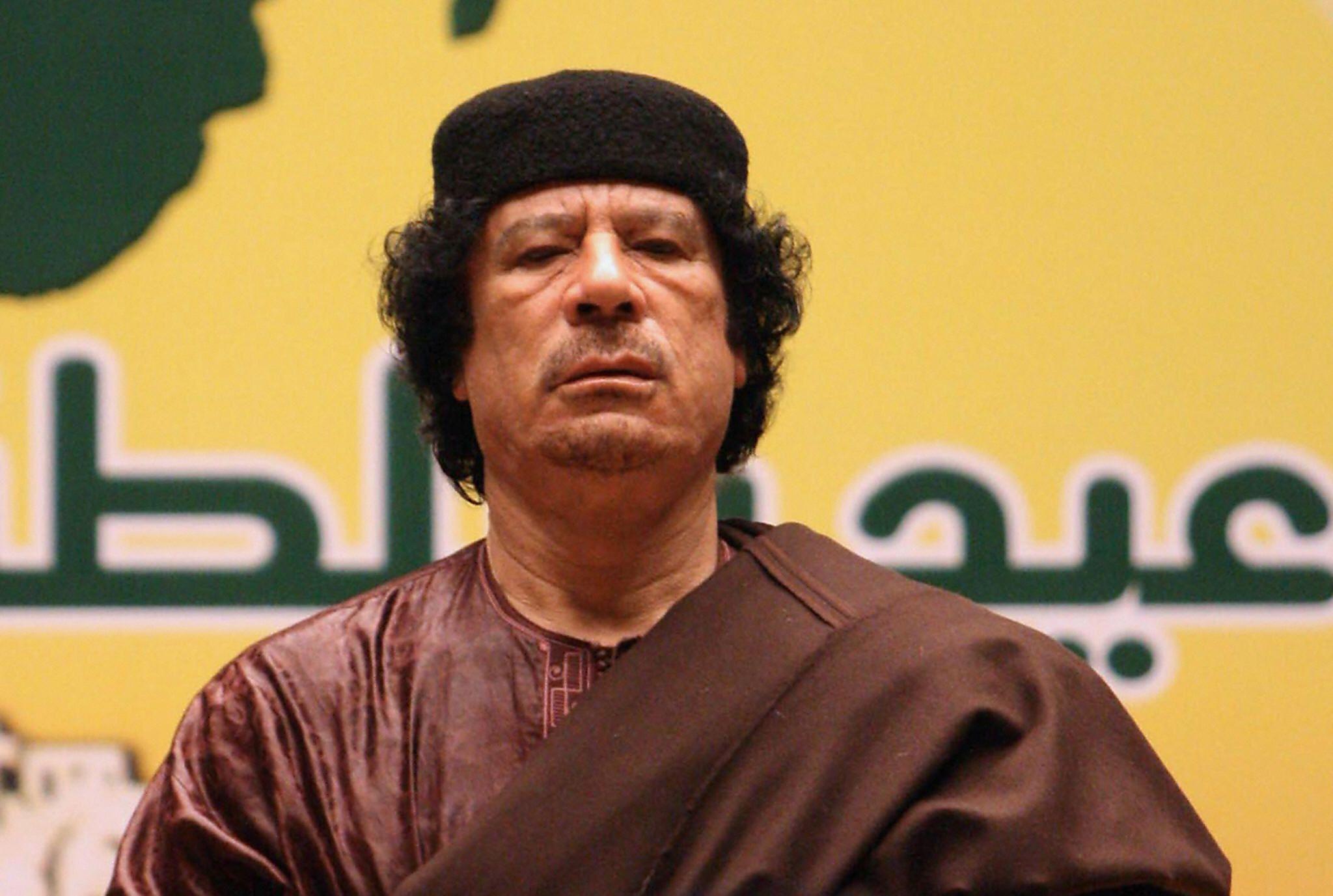 12_04_Gaddafi_01