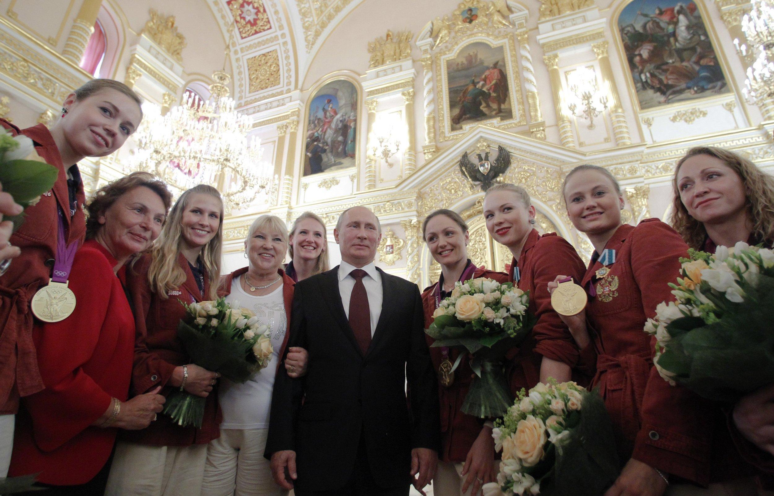 12_05_Putin_Olympians