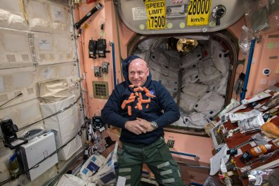 12_05_iss_microbiome_bacteria