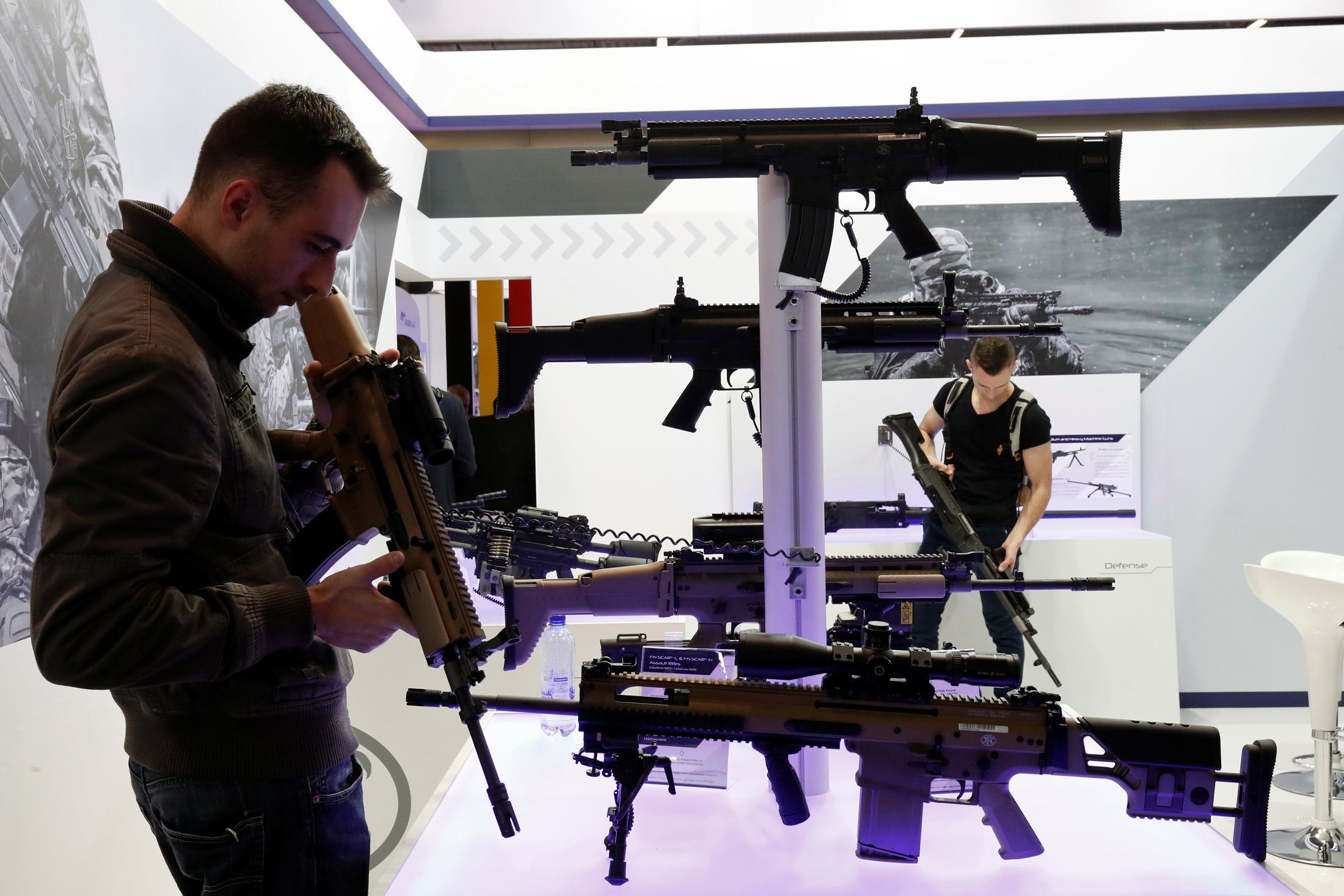 12_05_Guns