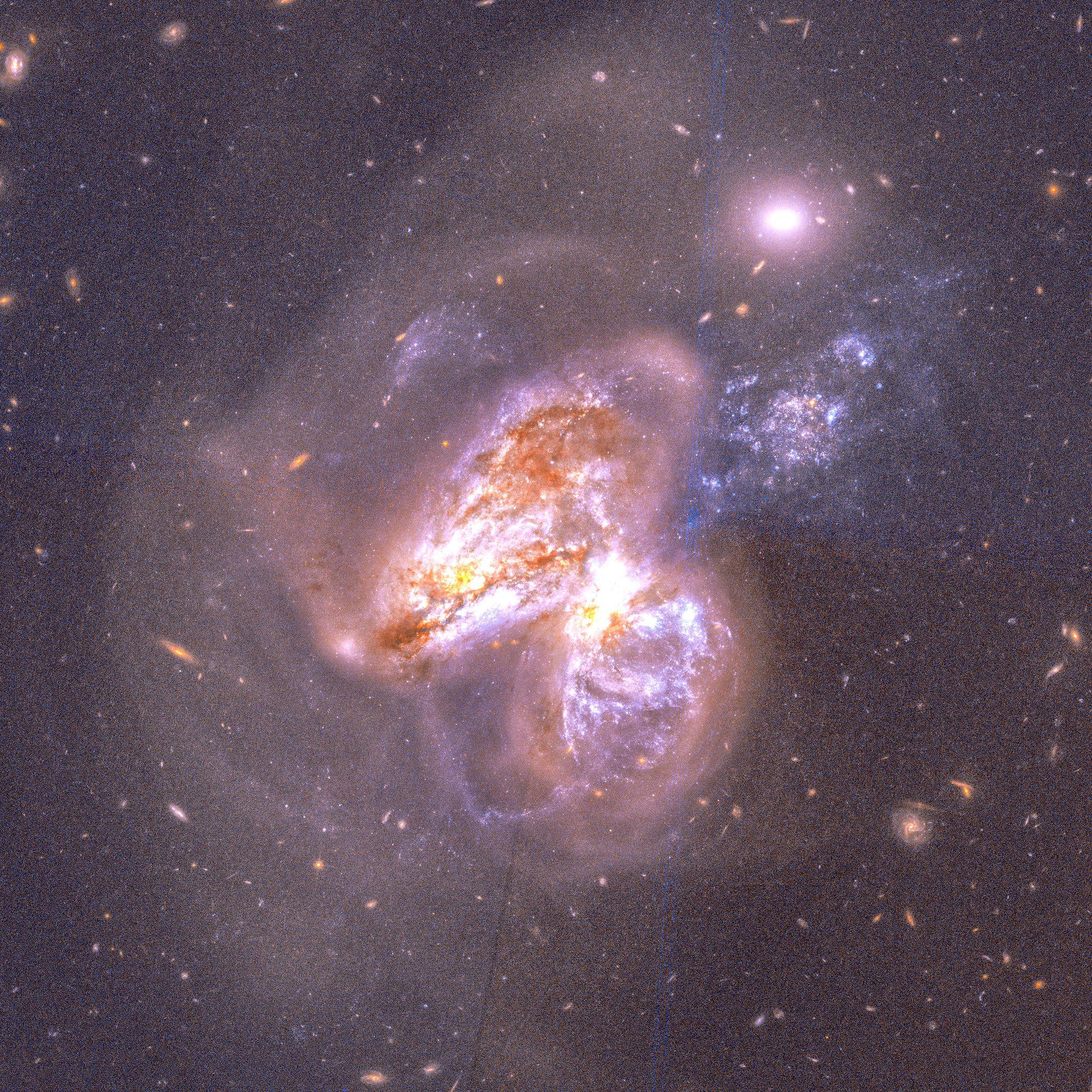 12_5_Galaxies collide