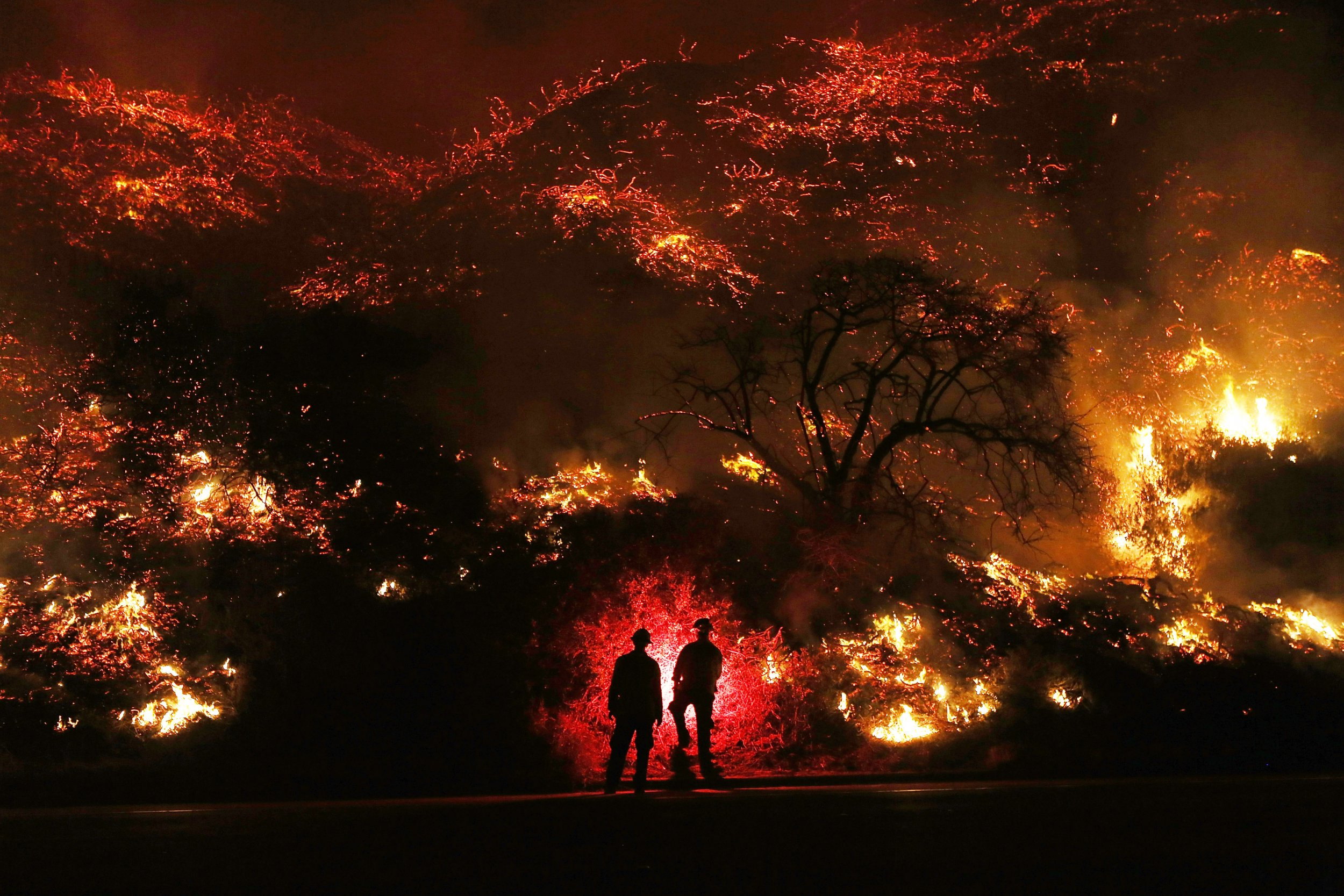 How Close Are The Fires To L A California Wildfire Map Shows