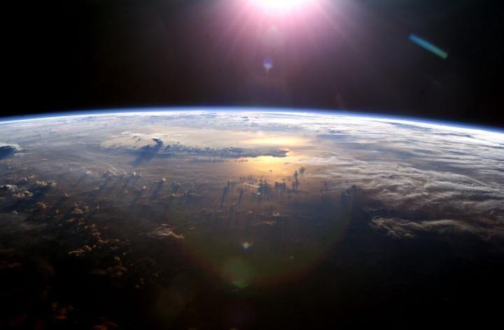 12_07_nitrogen_atmosphere_life
