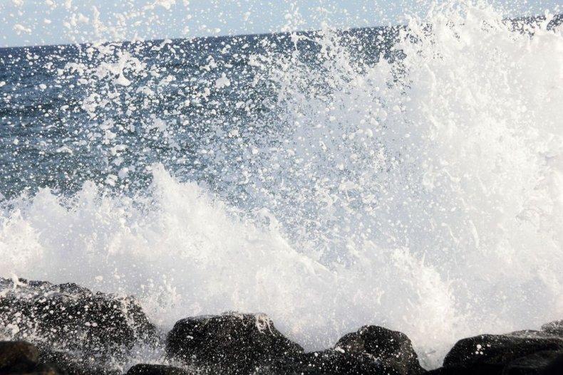 12_8_Ocean waves