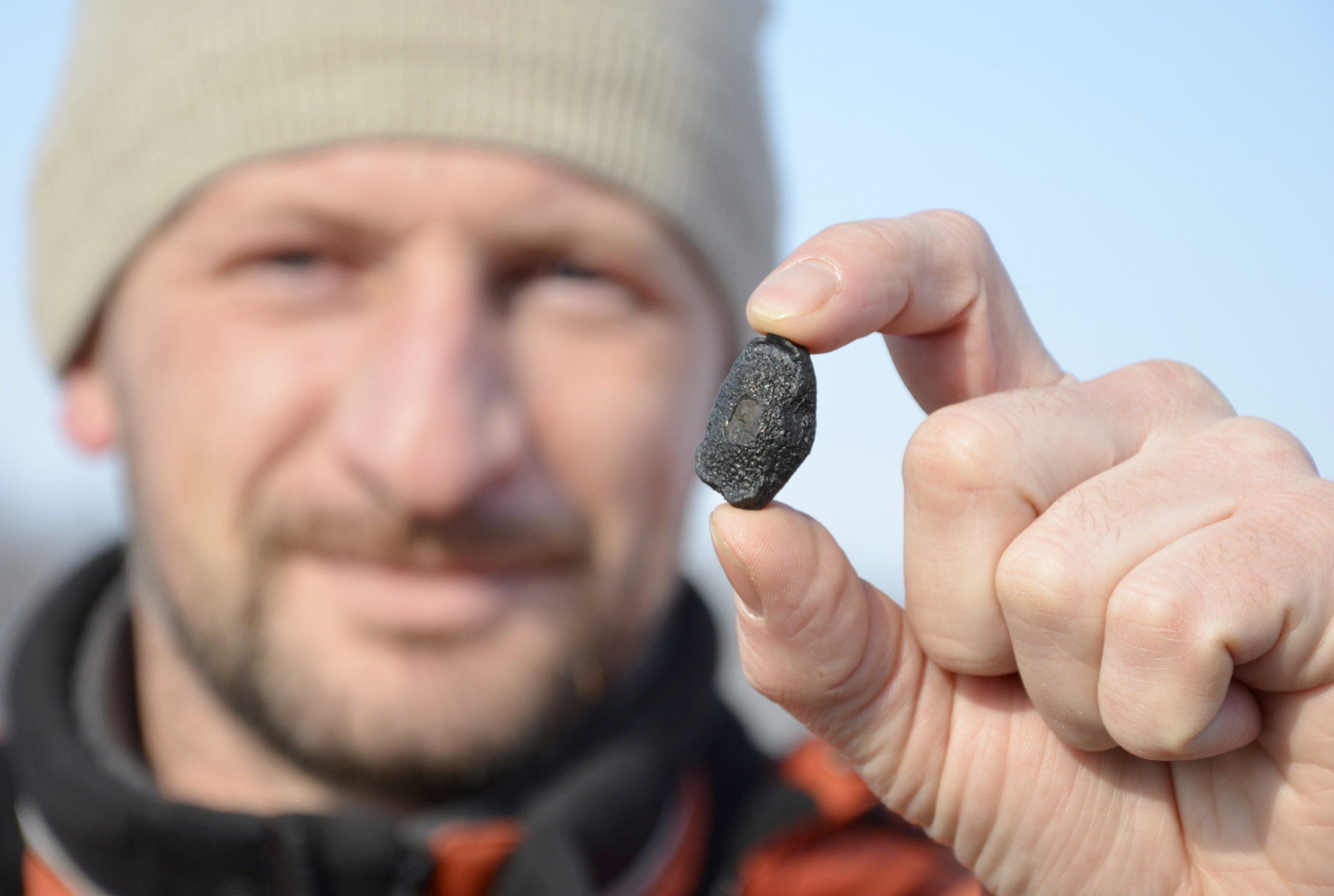 12_11_chelyabinsk_meteor_fragment