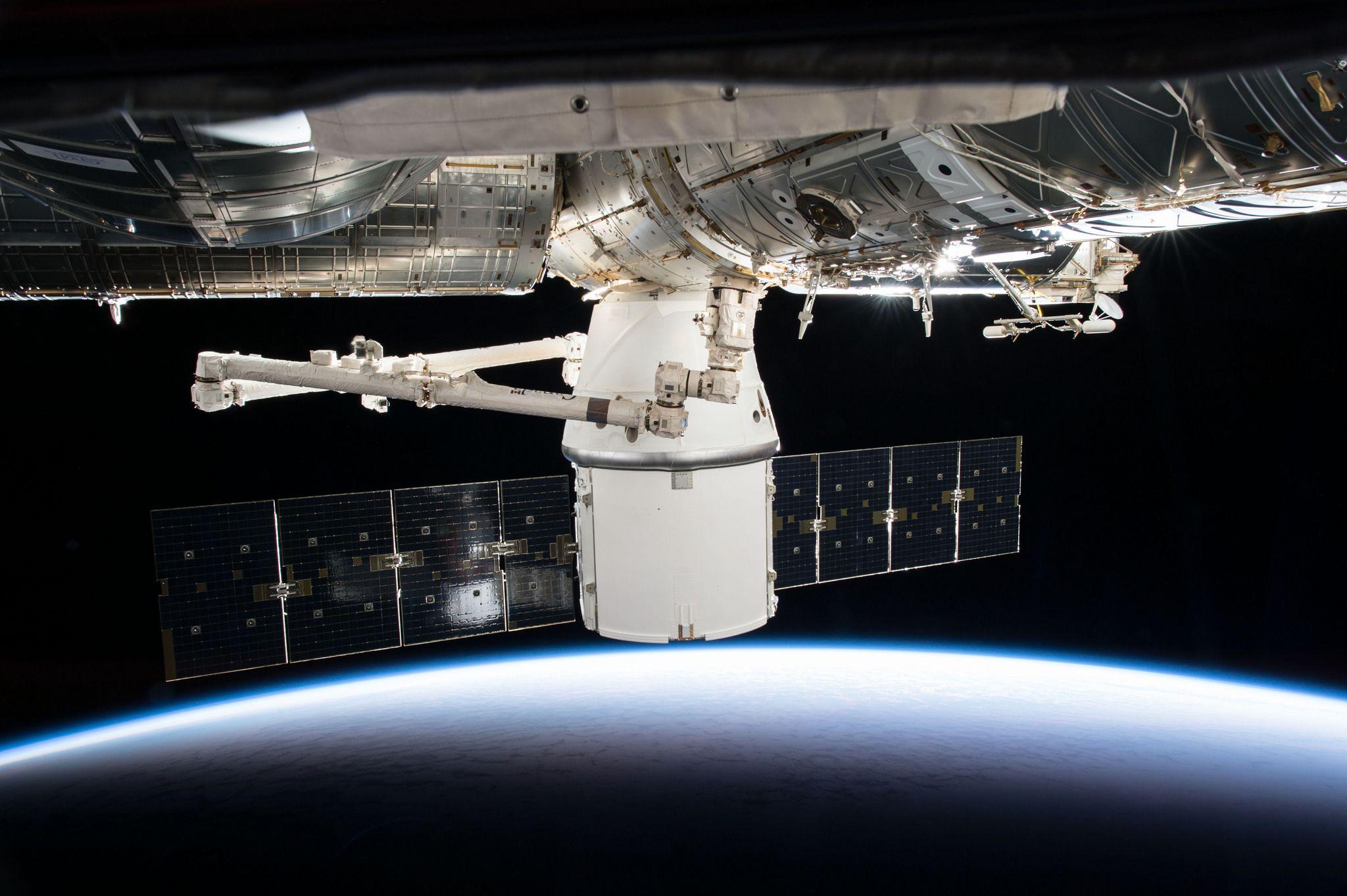 12_12_SpaceX Dragon