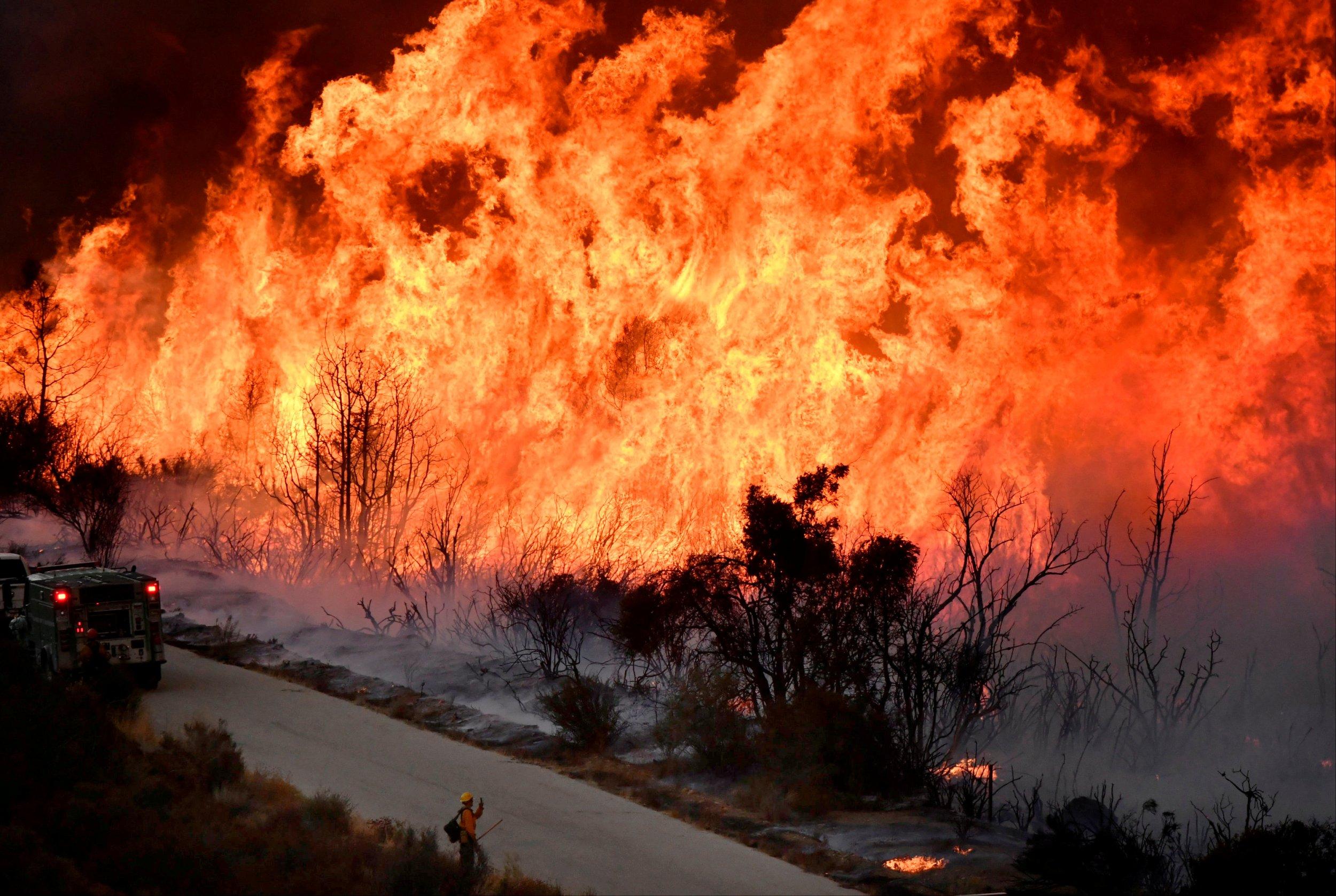 Ventura California Fire >> California Fire Map Update: Photos Of Destruction Across Los Angeles, Santa Barbara and Ventura ...
