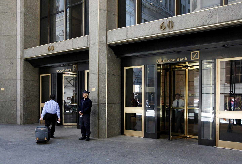 da0eb7ceca1a2 Is Donald Trump s Dark Russian Secret Hiding in Deutsche Bank s Vaults