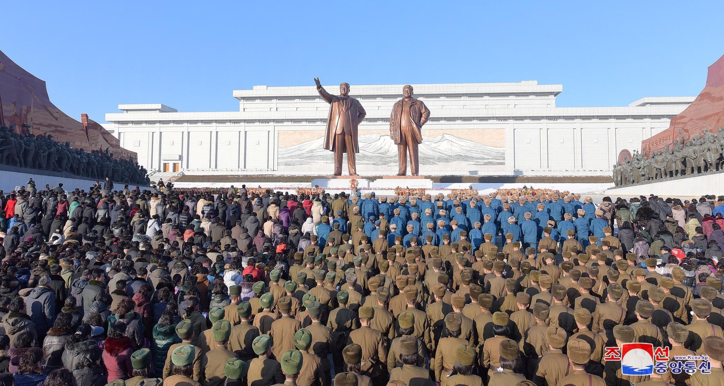 north korea mourn dead leaders