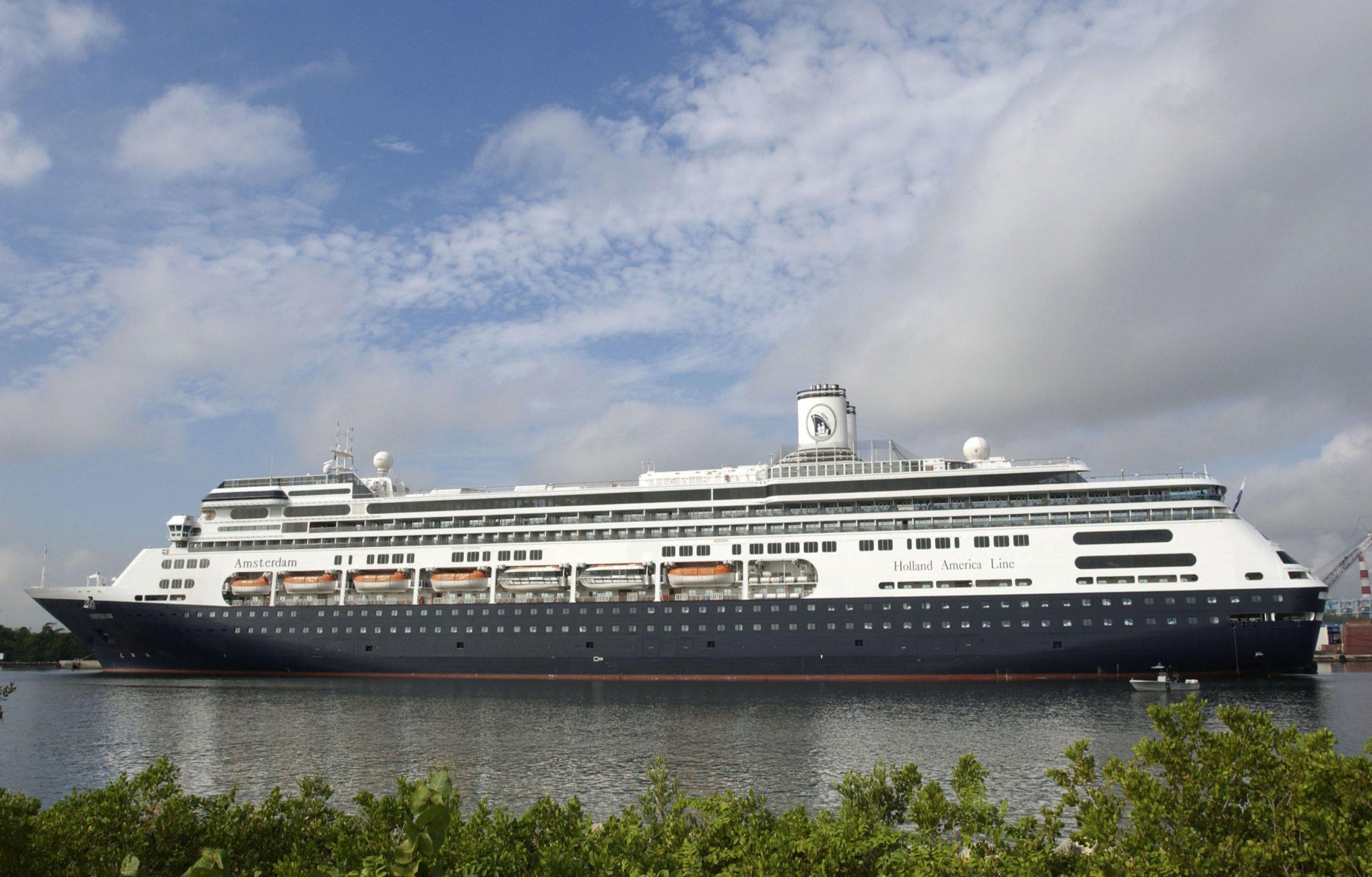 12_17_Cruise Ship