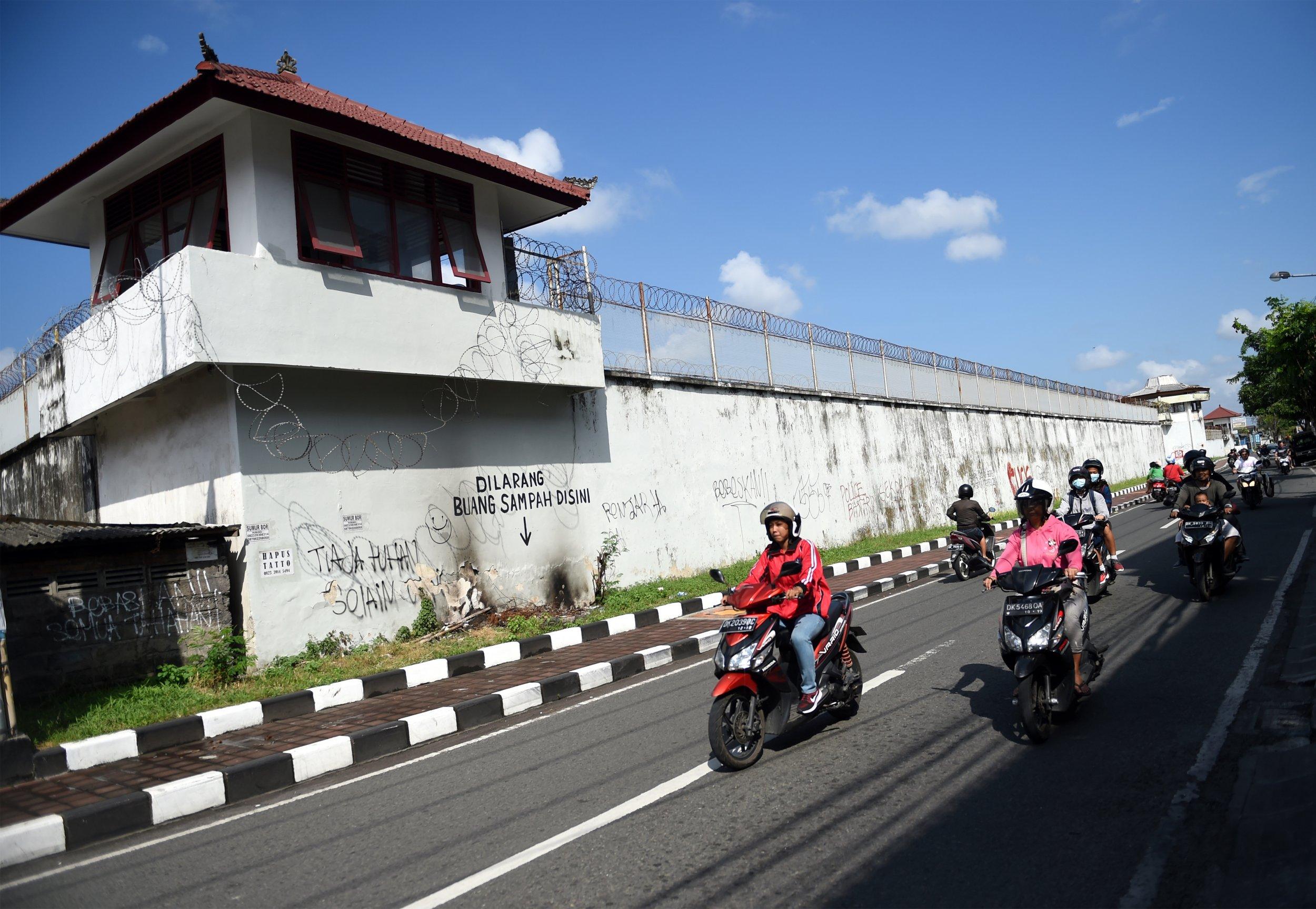 12_18_Bali_prison