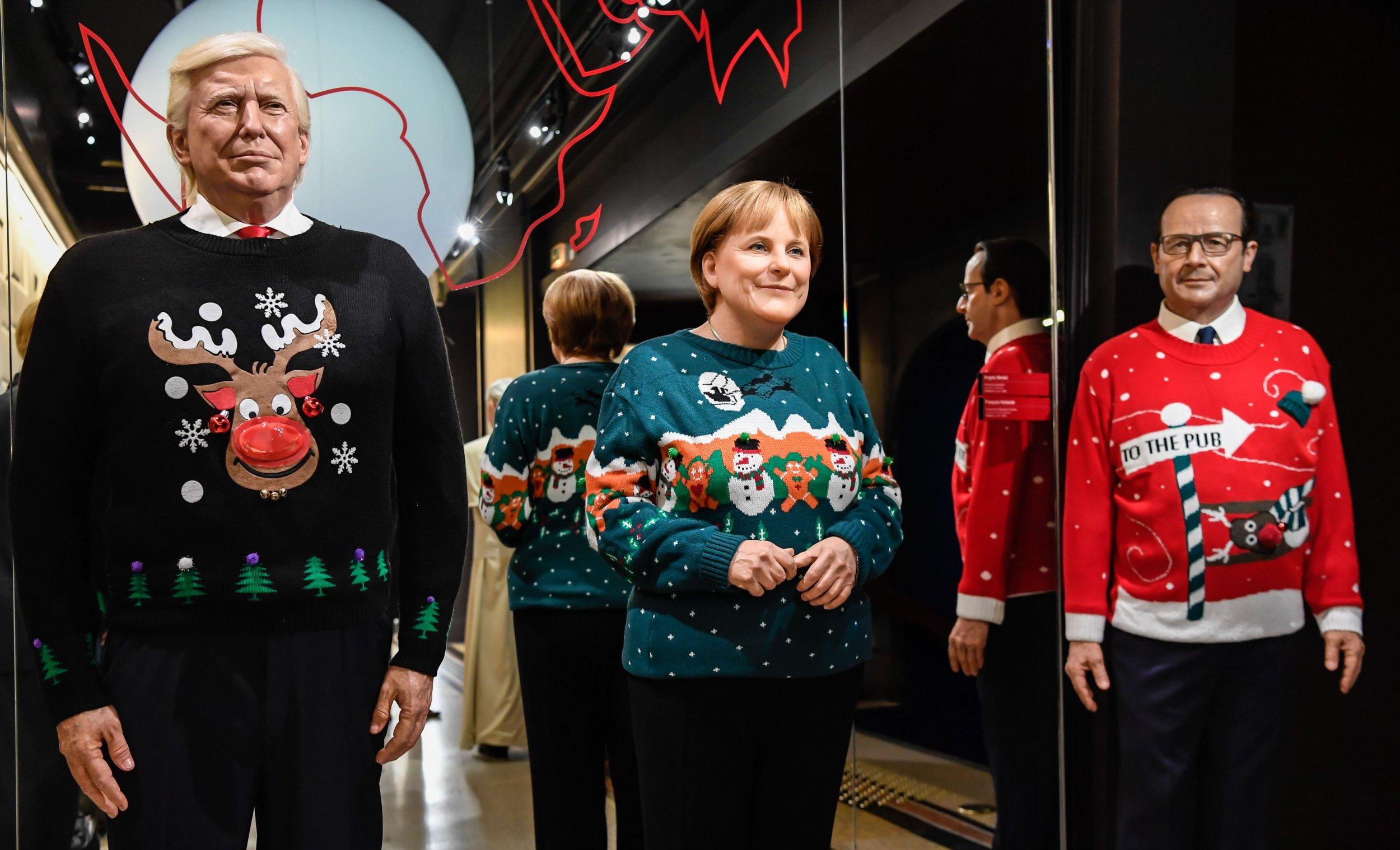 Huge Christmas Card.Donald Trump Likes Everything Big Including His Huge Christmas Card