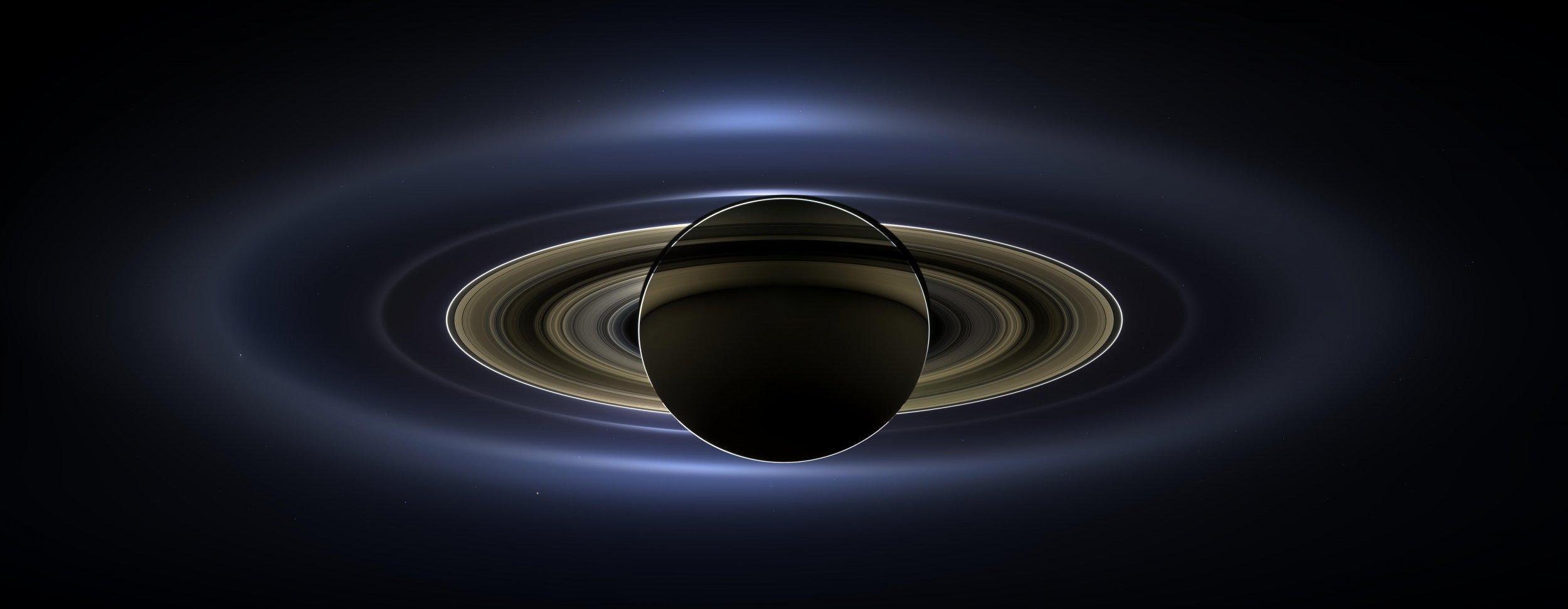 12_21_saturn_ring_moon