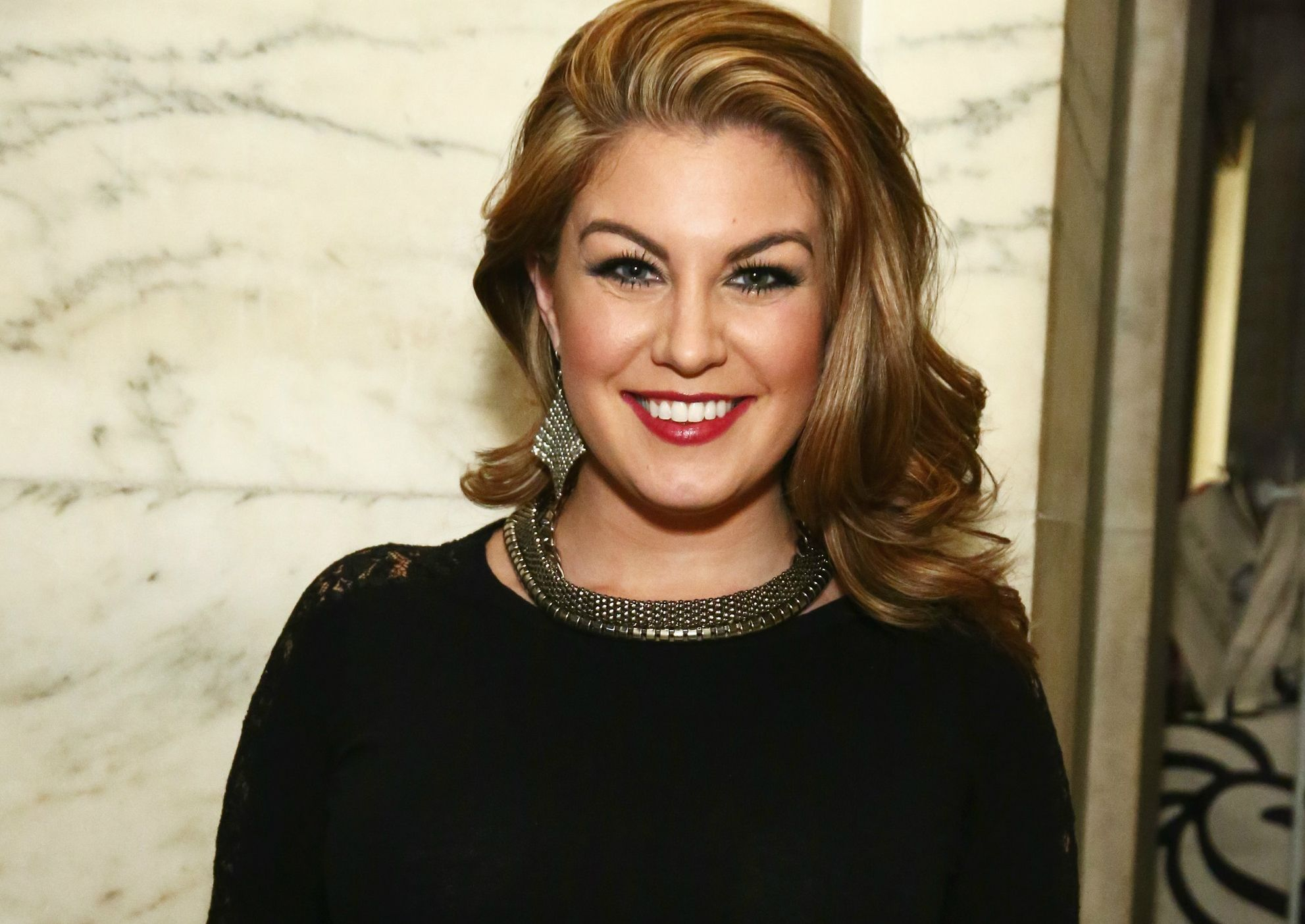 """Online Dating Sites >> Former Miss America Mallory Hagan is Considering Legal Action After """"Derogatory"""" Emails by CEO ..."""
