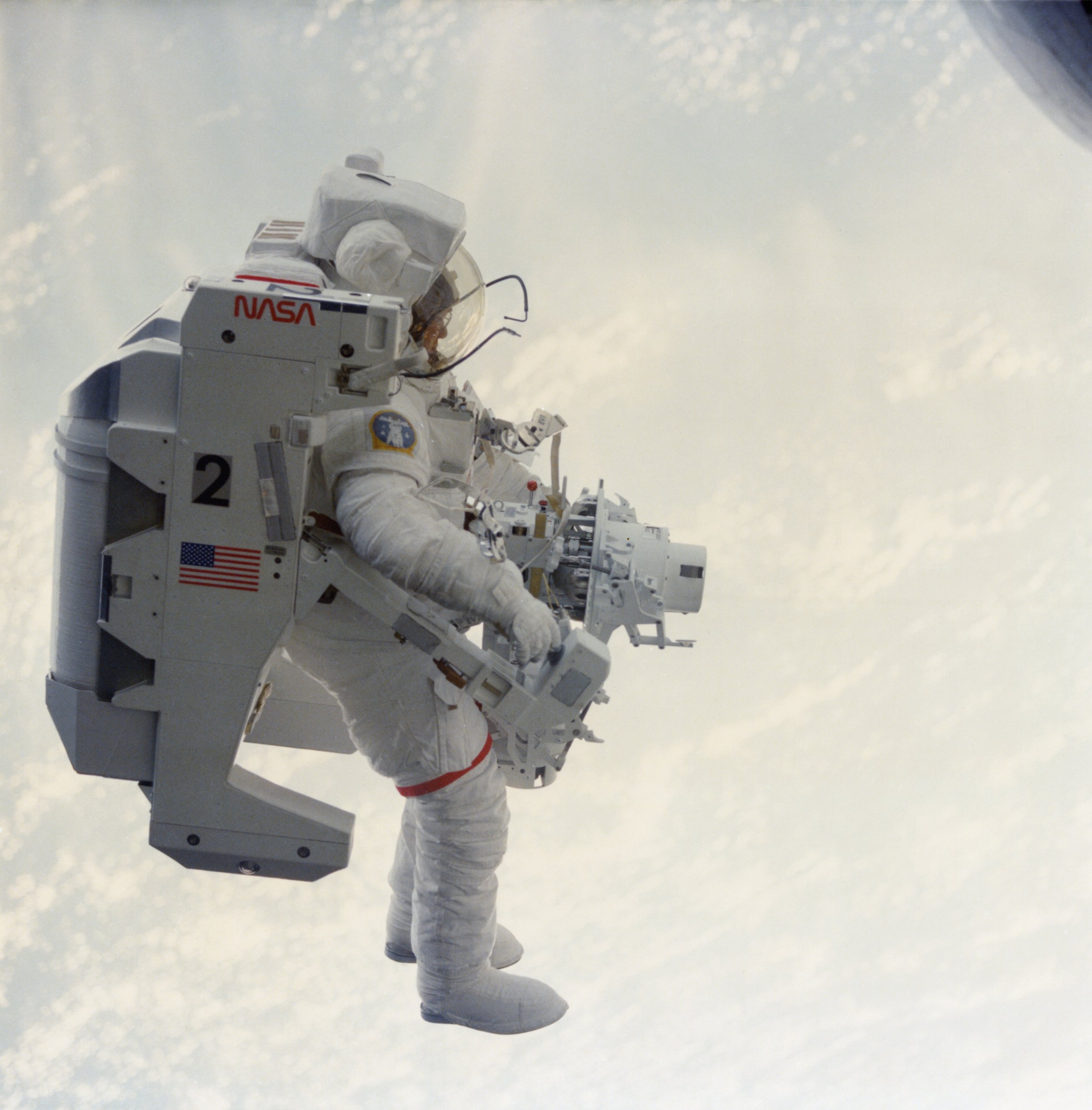 first man in space nasa - photo #20