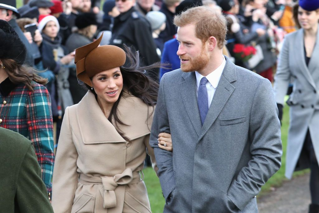 Meghan Markle Christmas.Video Meghan Markle Delights Onlookers In First Christmas
