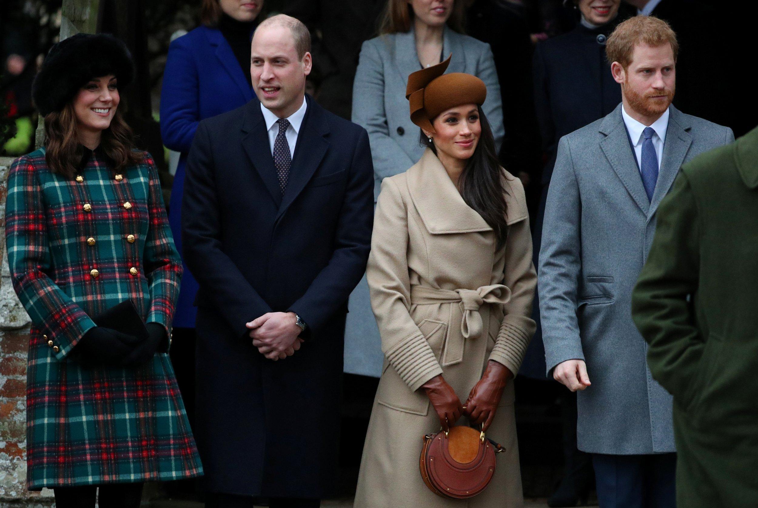 Royal Family Christmas.Royal Family Christmas 2017 Photos Prince Harry Meghan