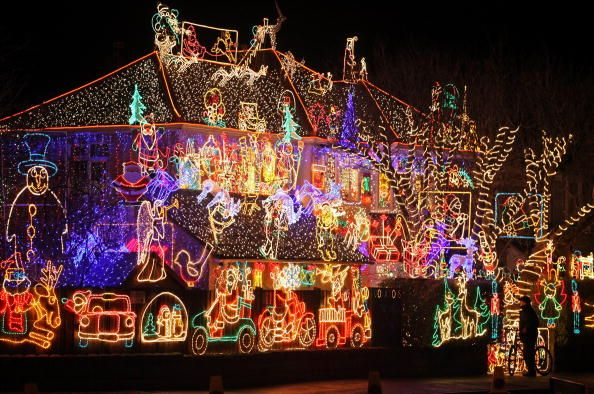 England Christmas Lights.Woman Receives 284 Billion Electric Bill How Much Do