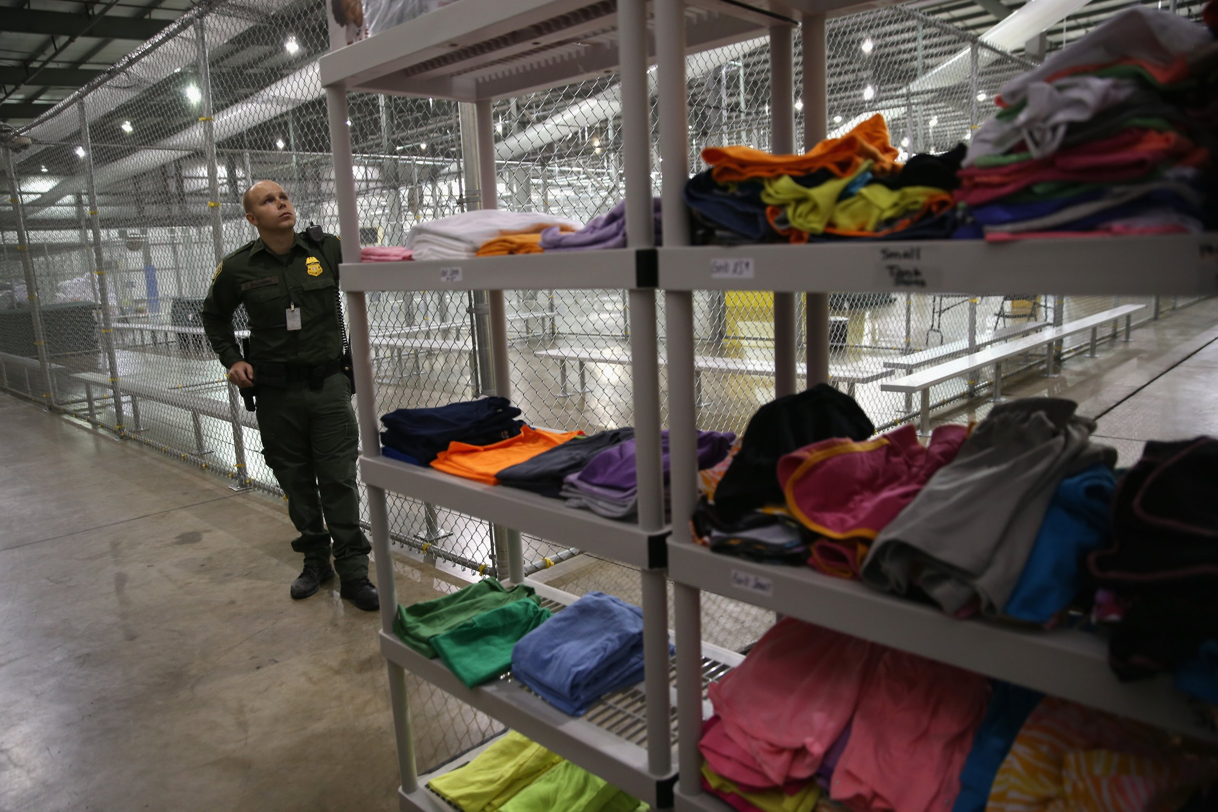 Border Patrol Must Give Mats Blankets To Migrants Forced
