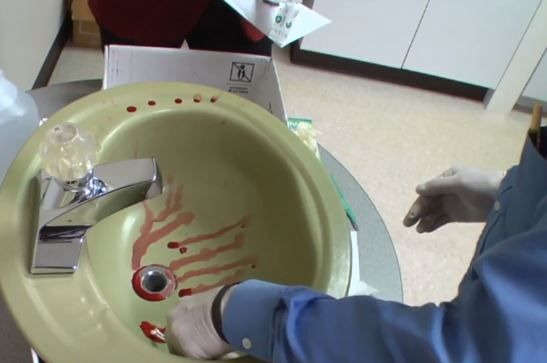 12_28_Steven_Avery_Experiment_Blood_1