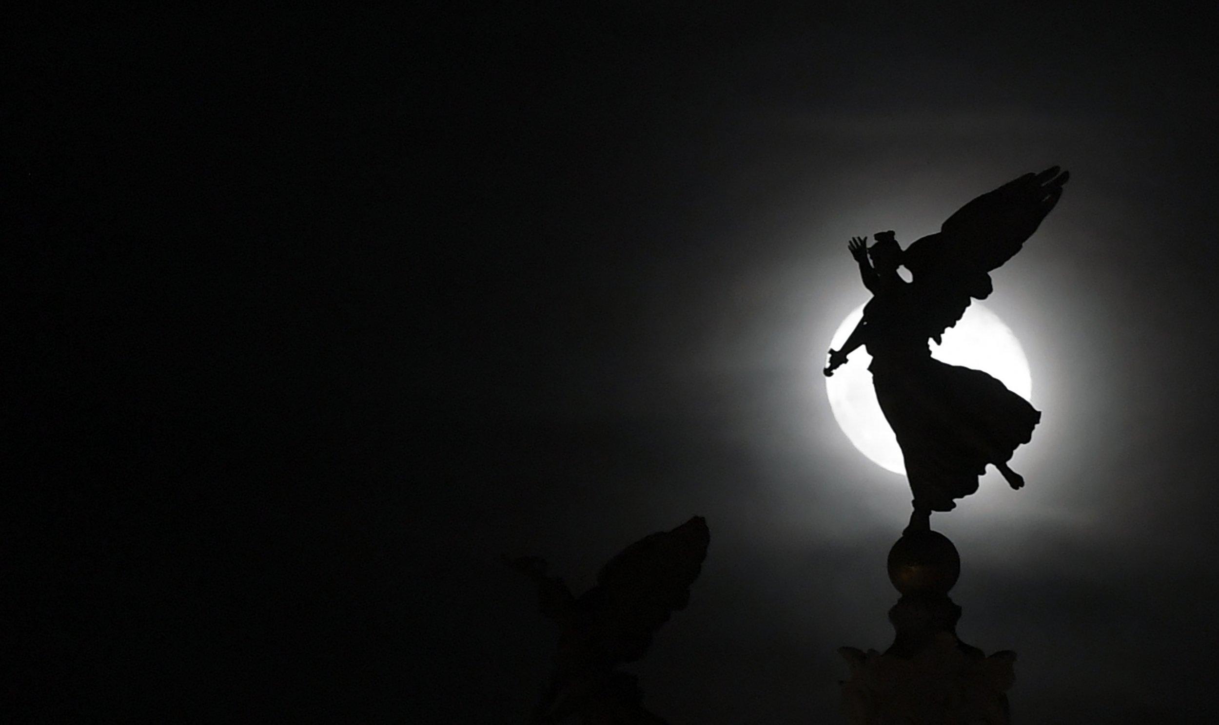 12_29_full_moon_occultation