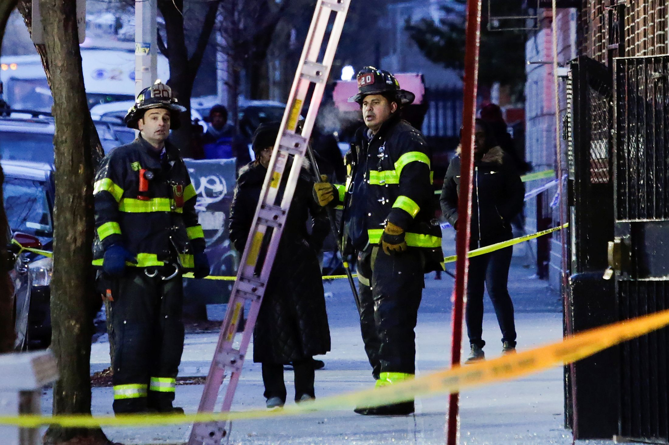 12_29_firemen