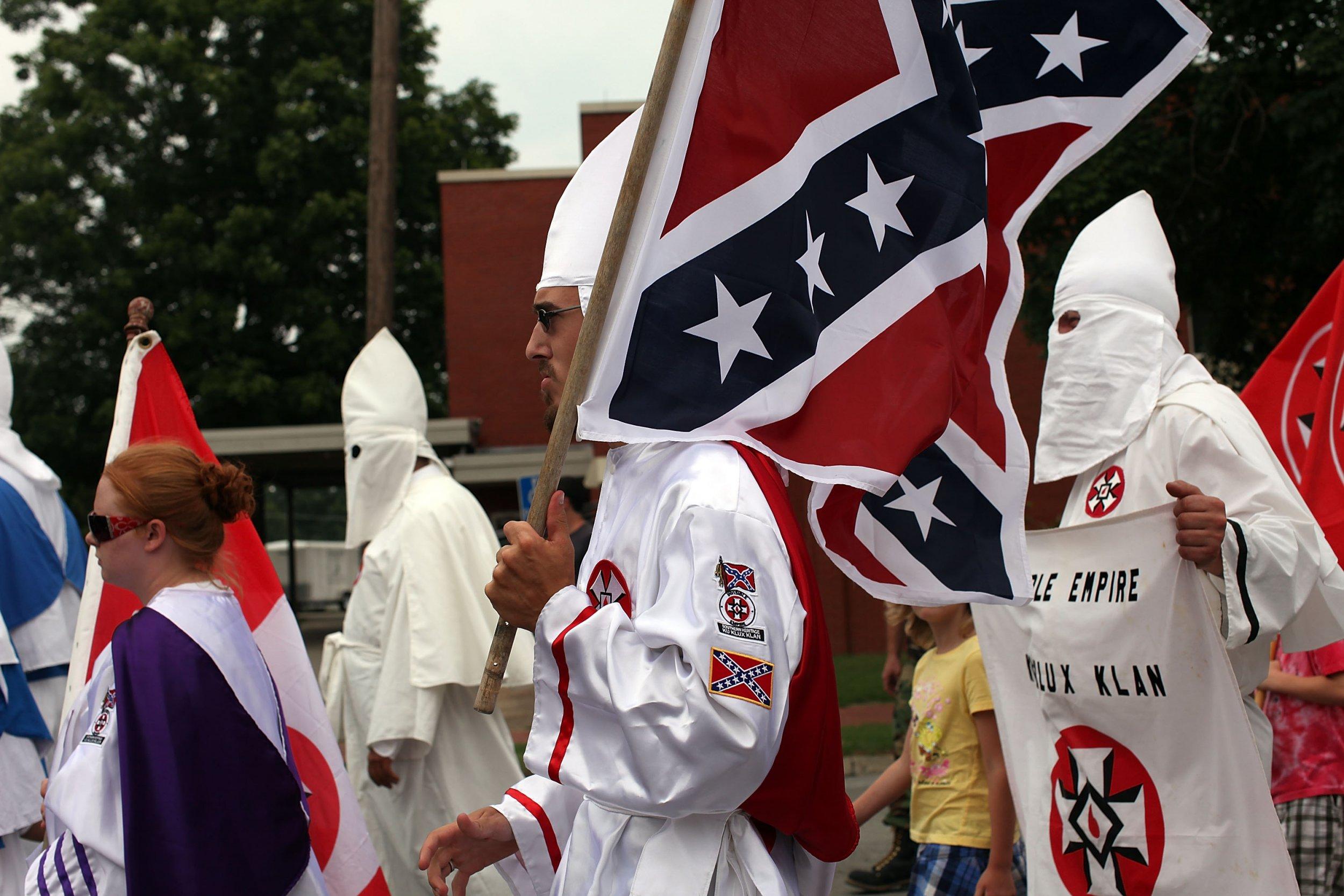 KKK Says Pro-White Message Isn\'t Racist, Celebrates White Pride
