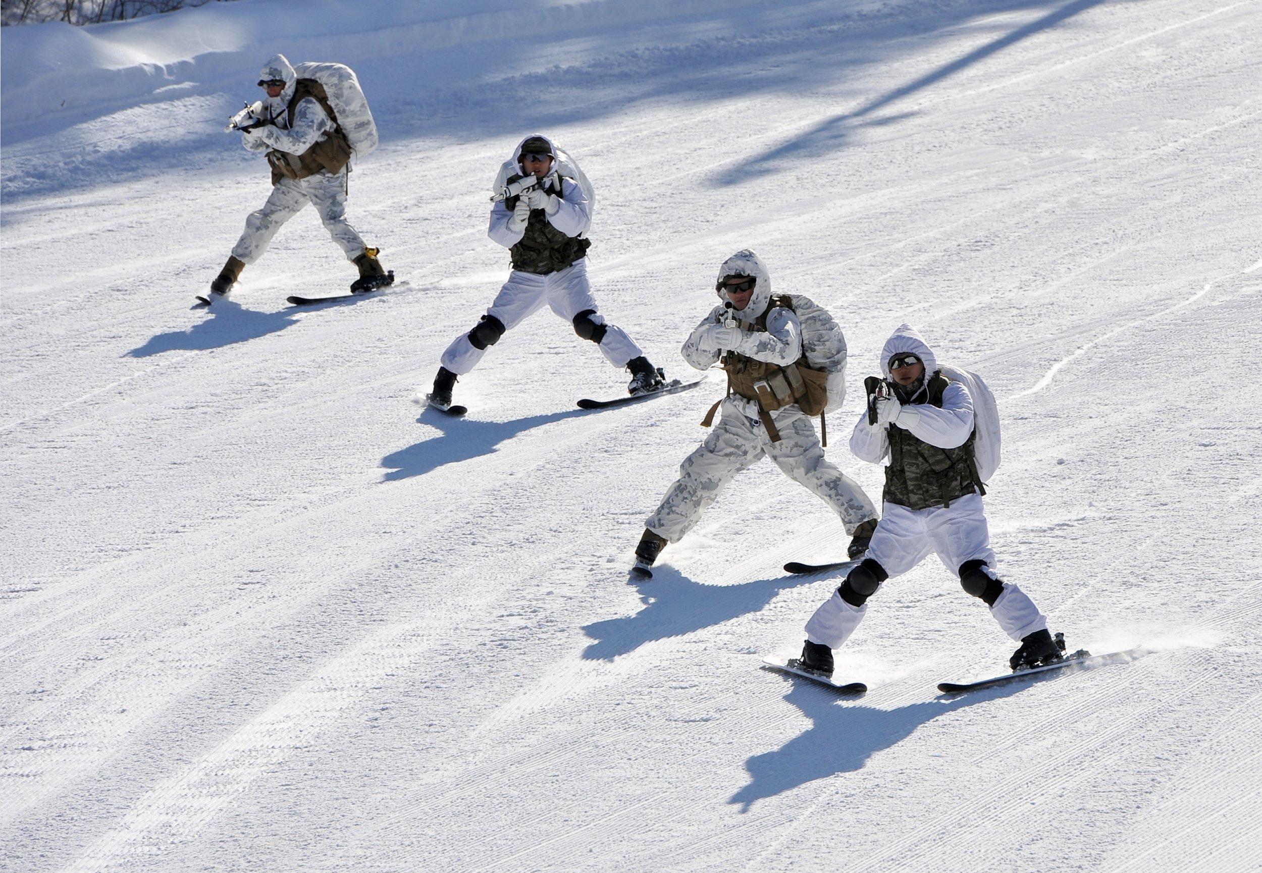 12_29_skis_US_military_Russia_North_Korea