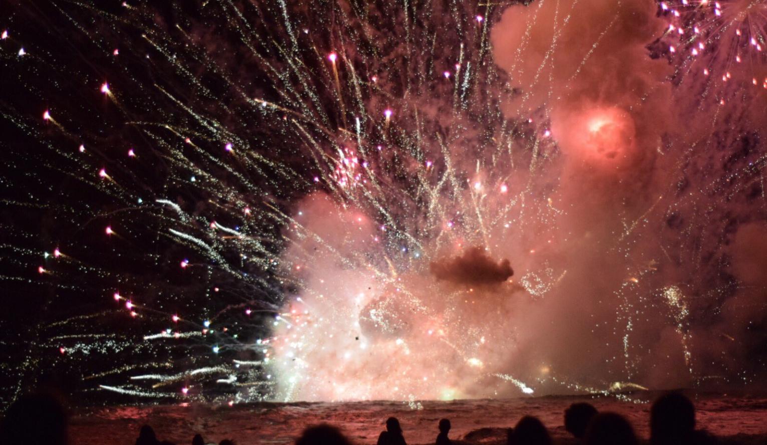 12_31_Barge_Fireworks