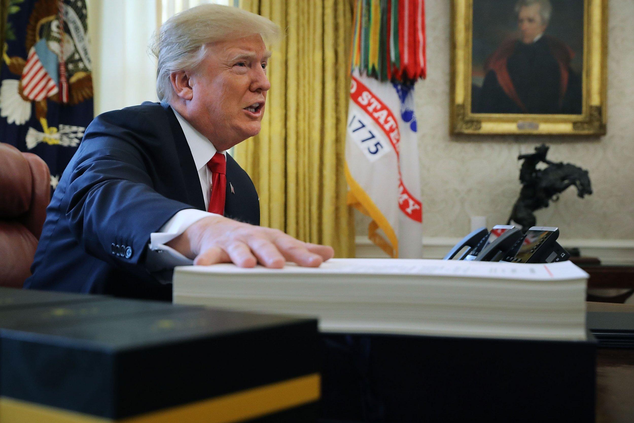12_31_17_TrumpStaff