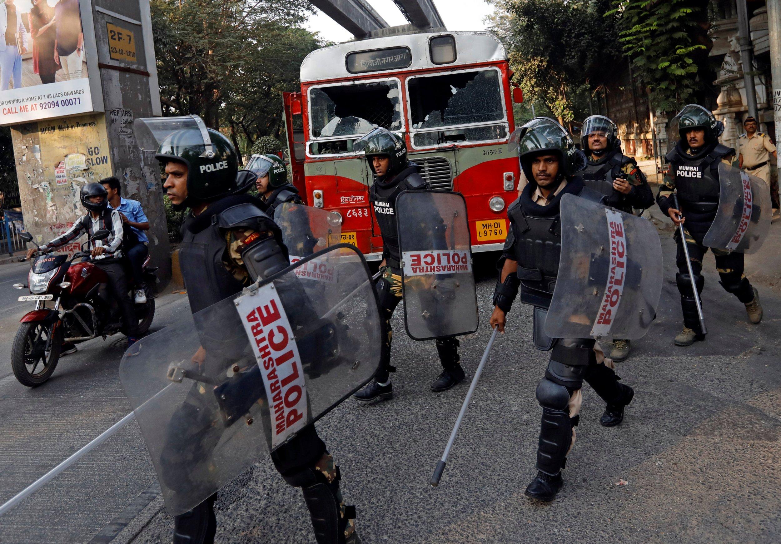 01_03_Mumbai_Clashes