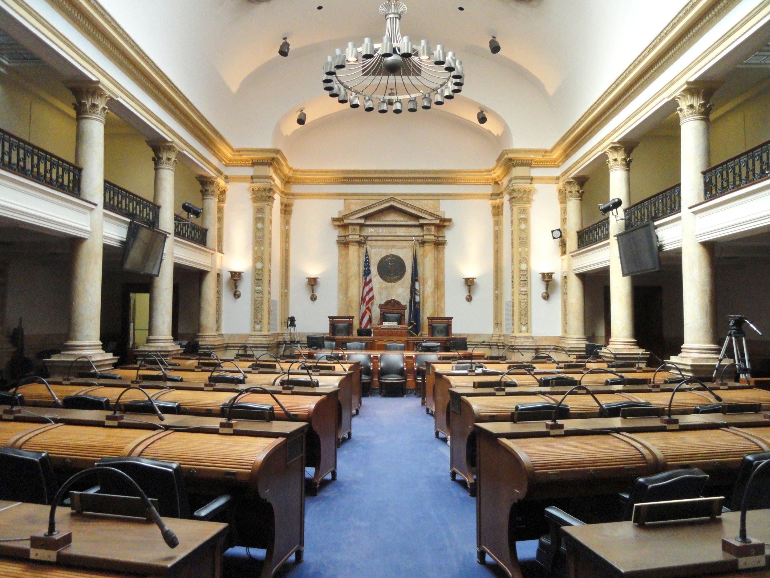 Senate_Chamber_-_Kentucky_State_Capitol_-_DSC09173