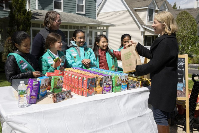 01_03_Girl_Scouts_cookies