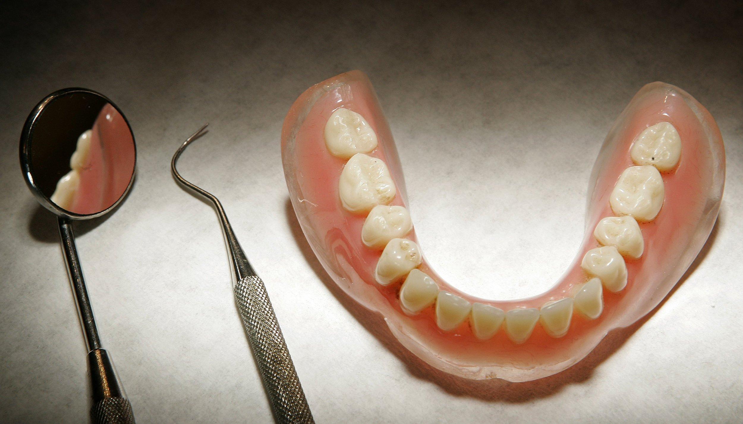 01_03_teeth