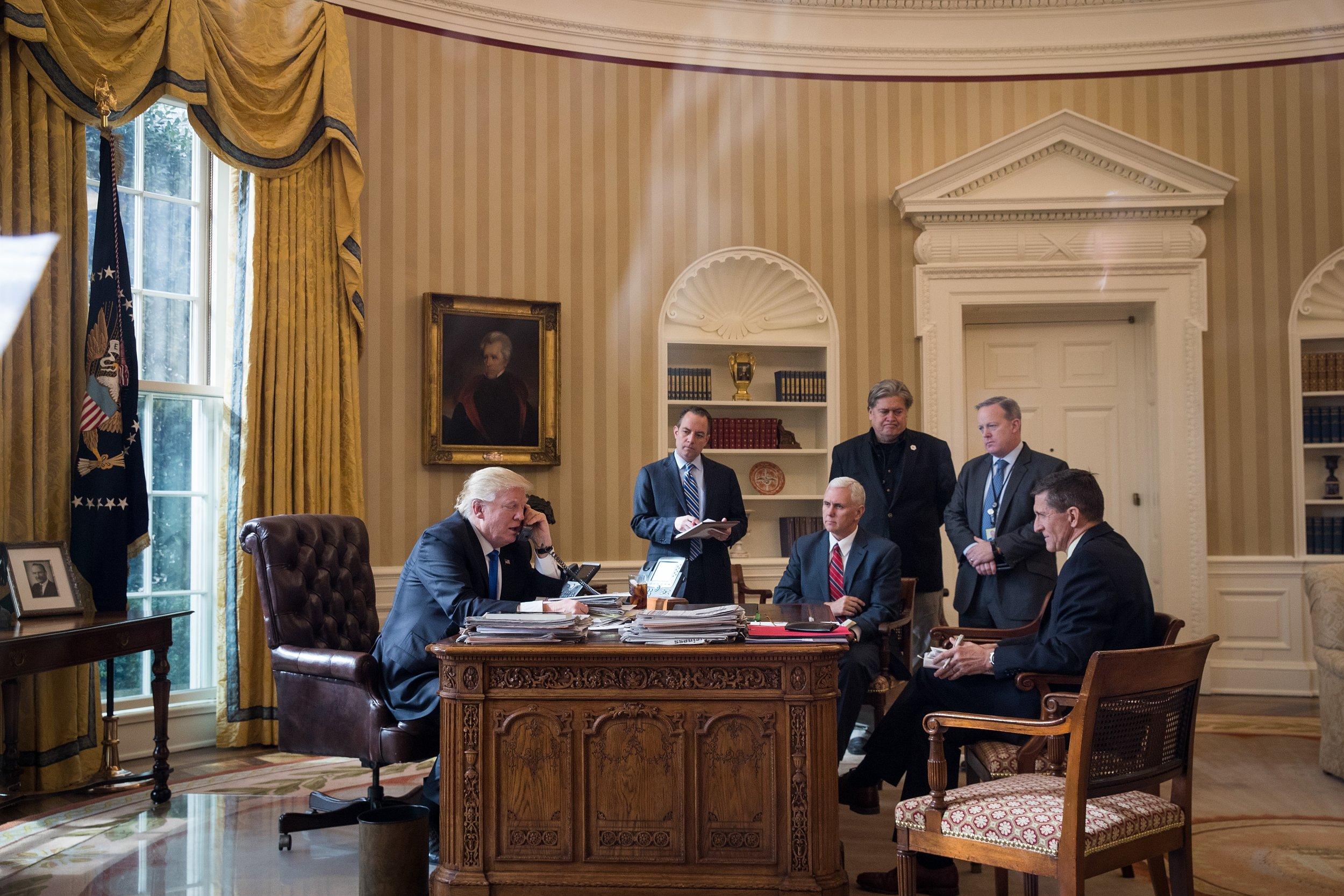 Donald-Trump-Steve-Bannon