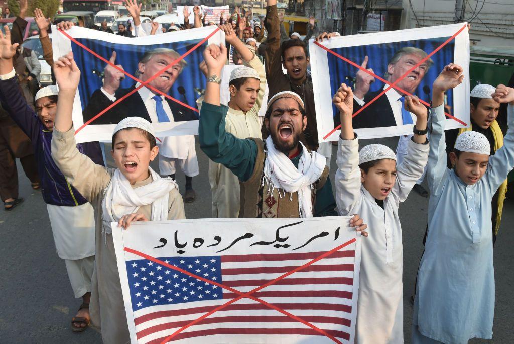 10518_Pakistan_Protests