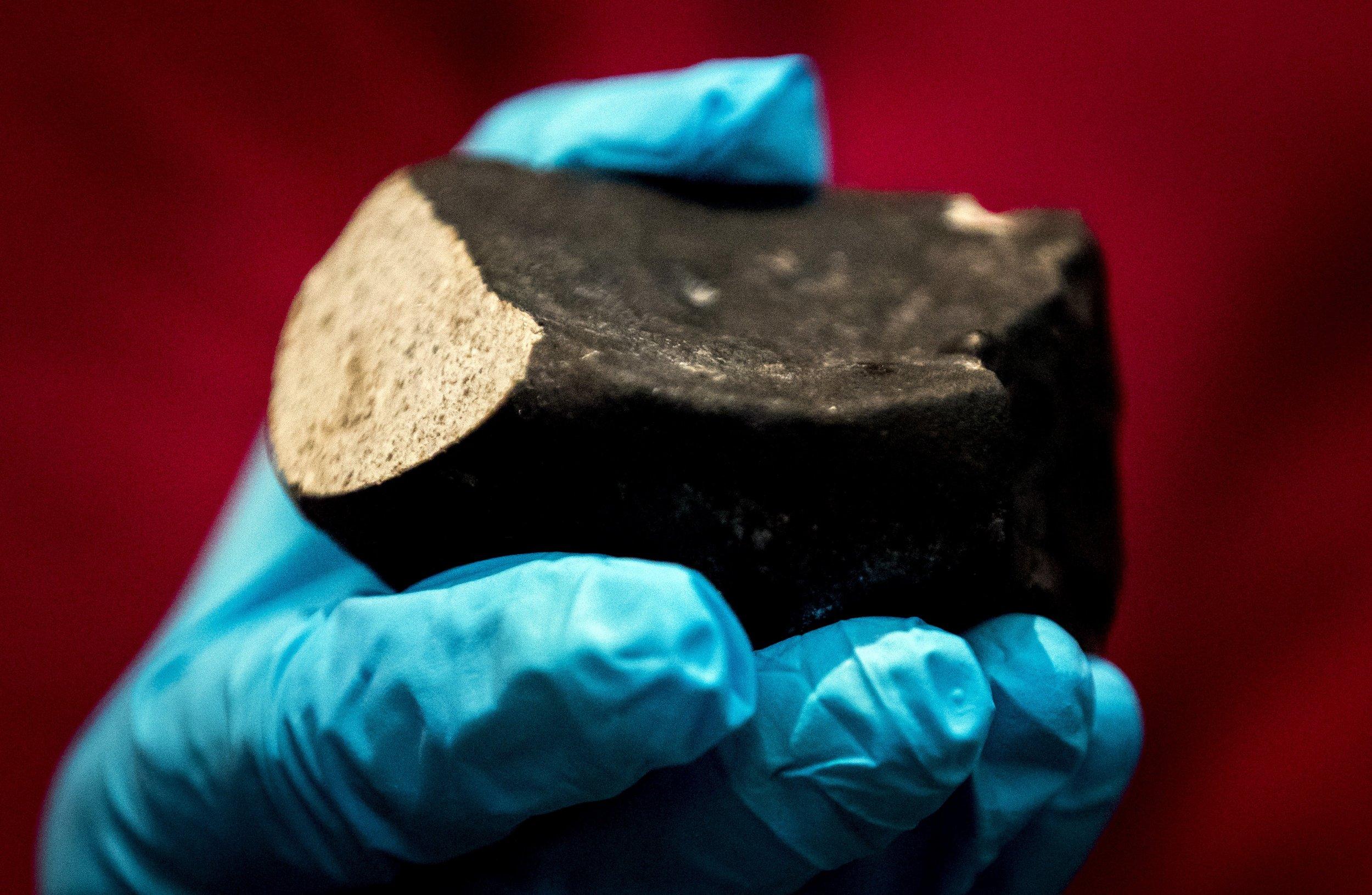 01_05_meteorite_analysis_asteroid