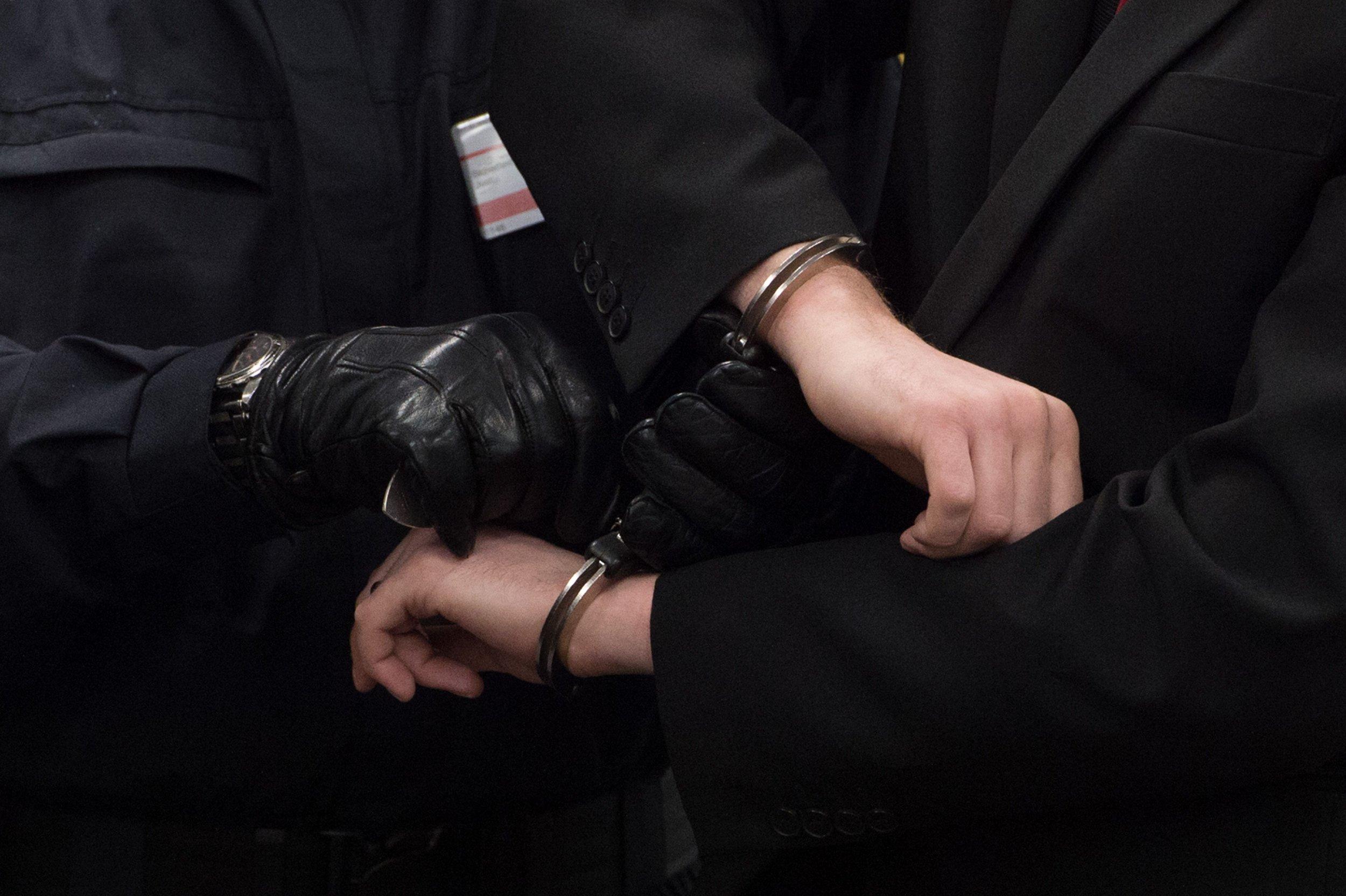 1_6_handcuffs