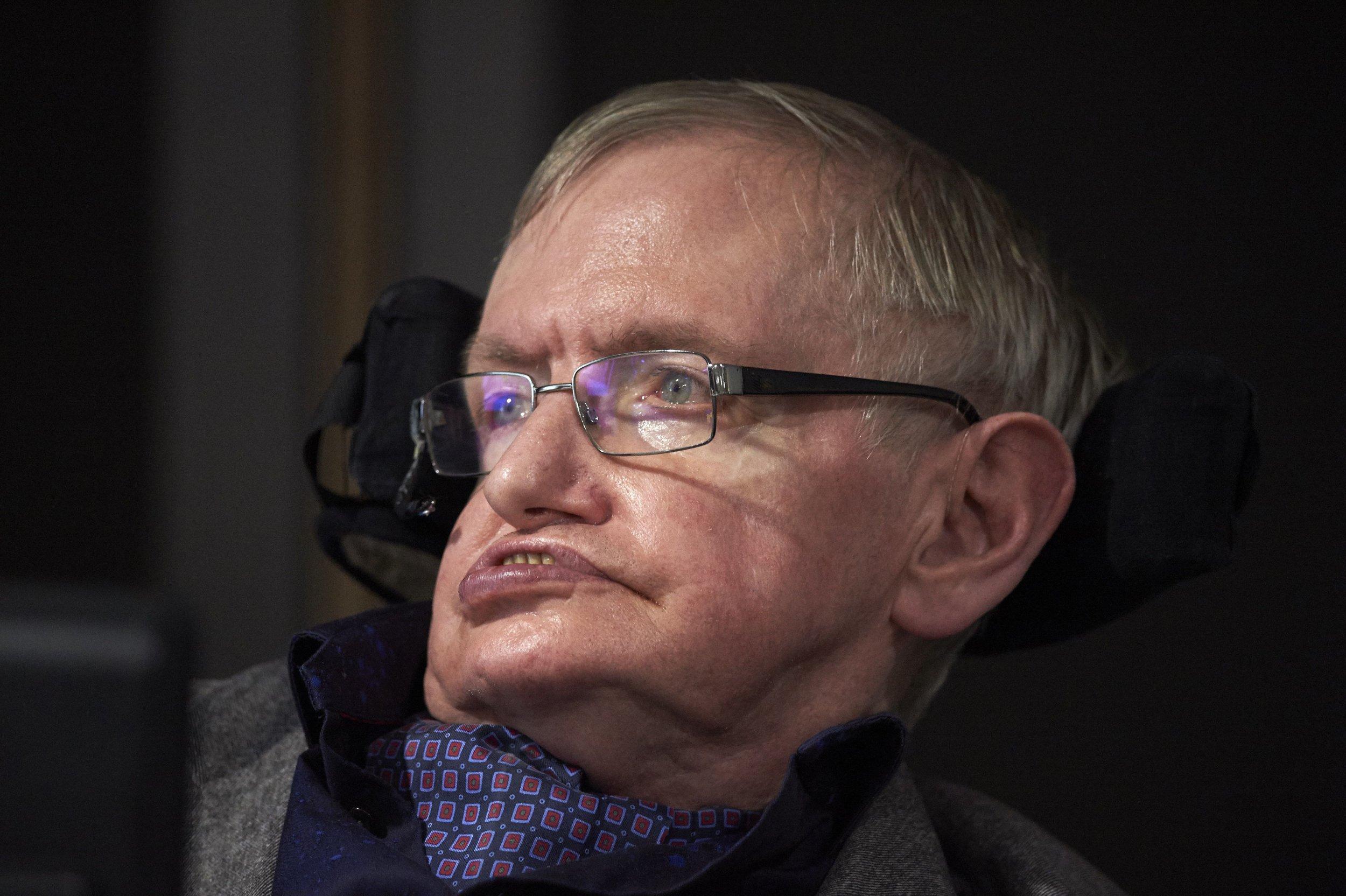 01_08_Hawking