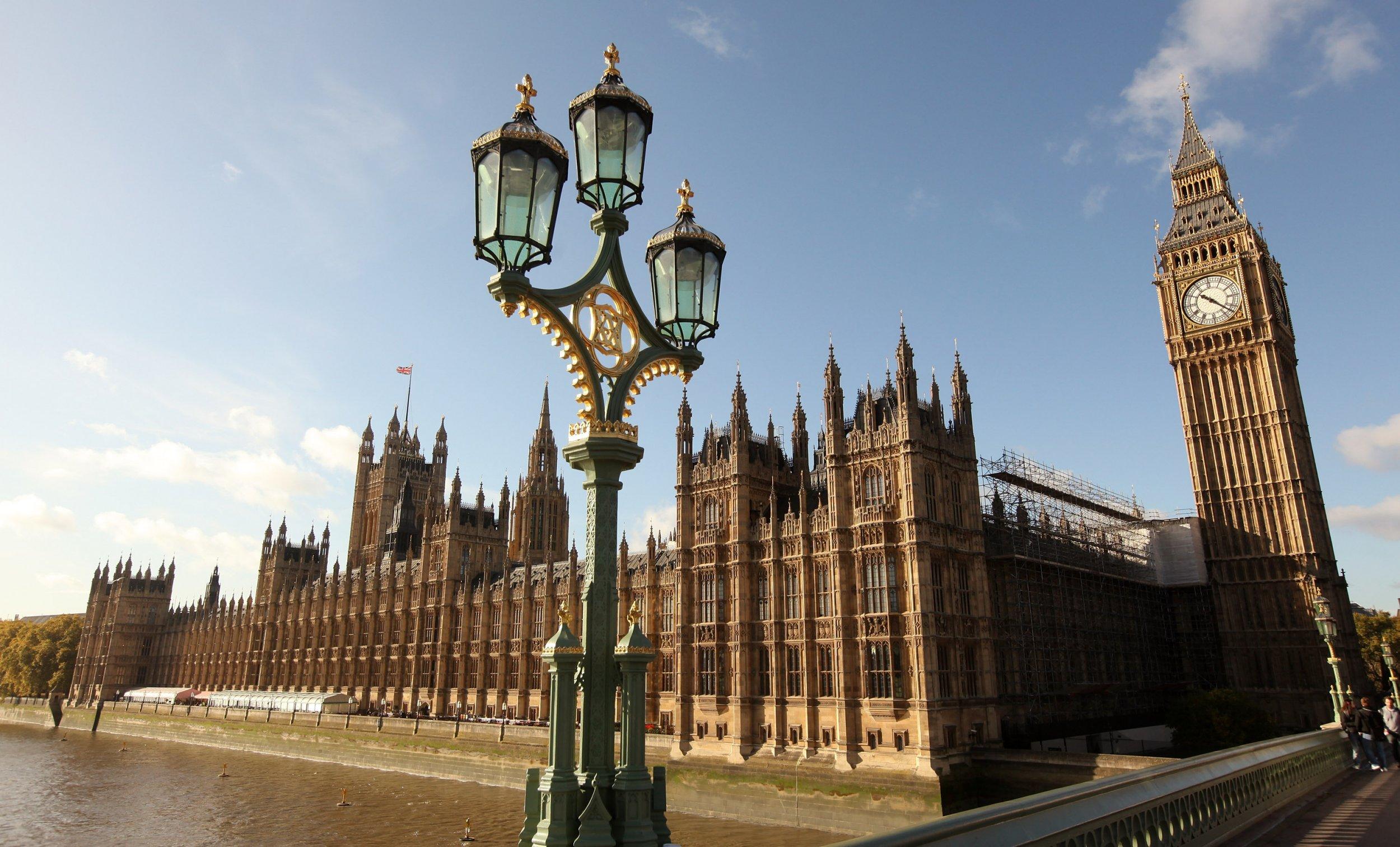 01_08_Parliament_01