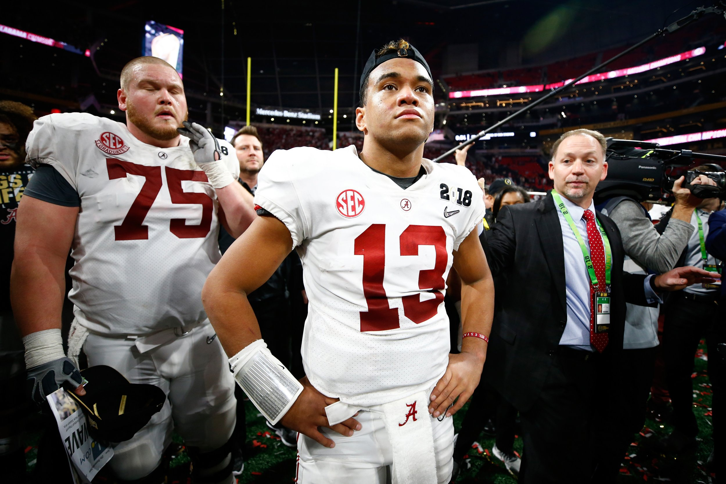 Alabama freshman quarterback Tua Tagovailoa, center.