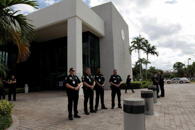 1_9_Florida_Court_Police