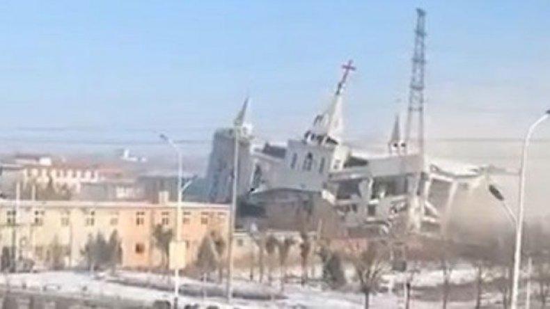 Church_demolished_China
