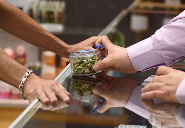 Legalizing marijuana nationwide would create one million jobs, study says