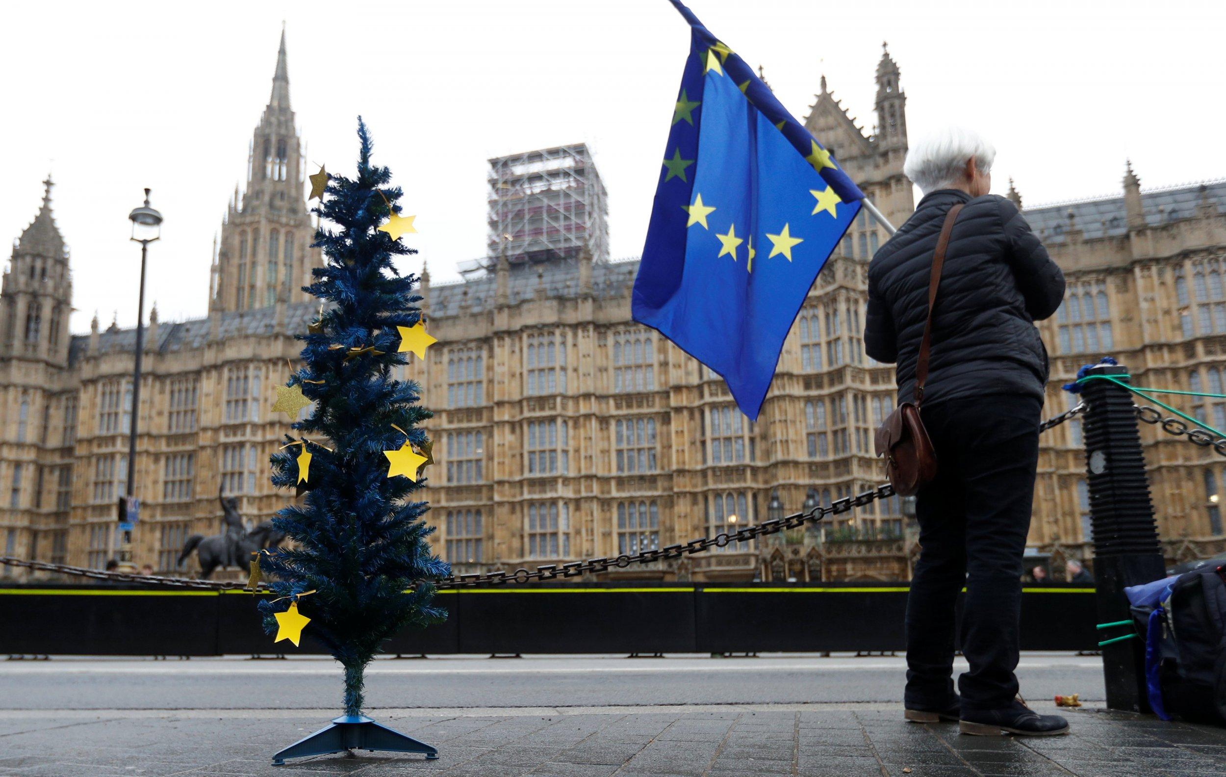 2017-12-20T135950Z_2063966592_RC11F48B5940_RTRMADP_3_BRITAIN-EU-MAY
