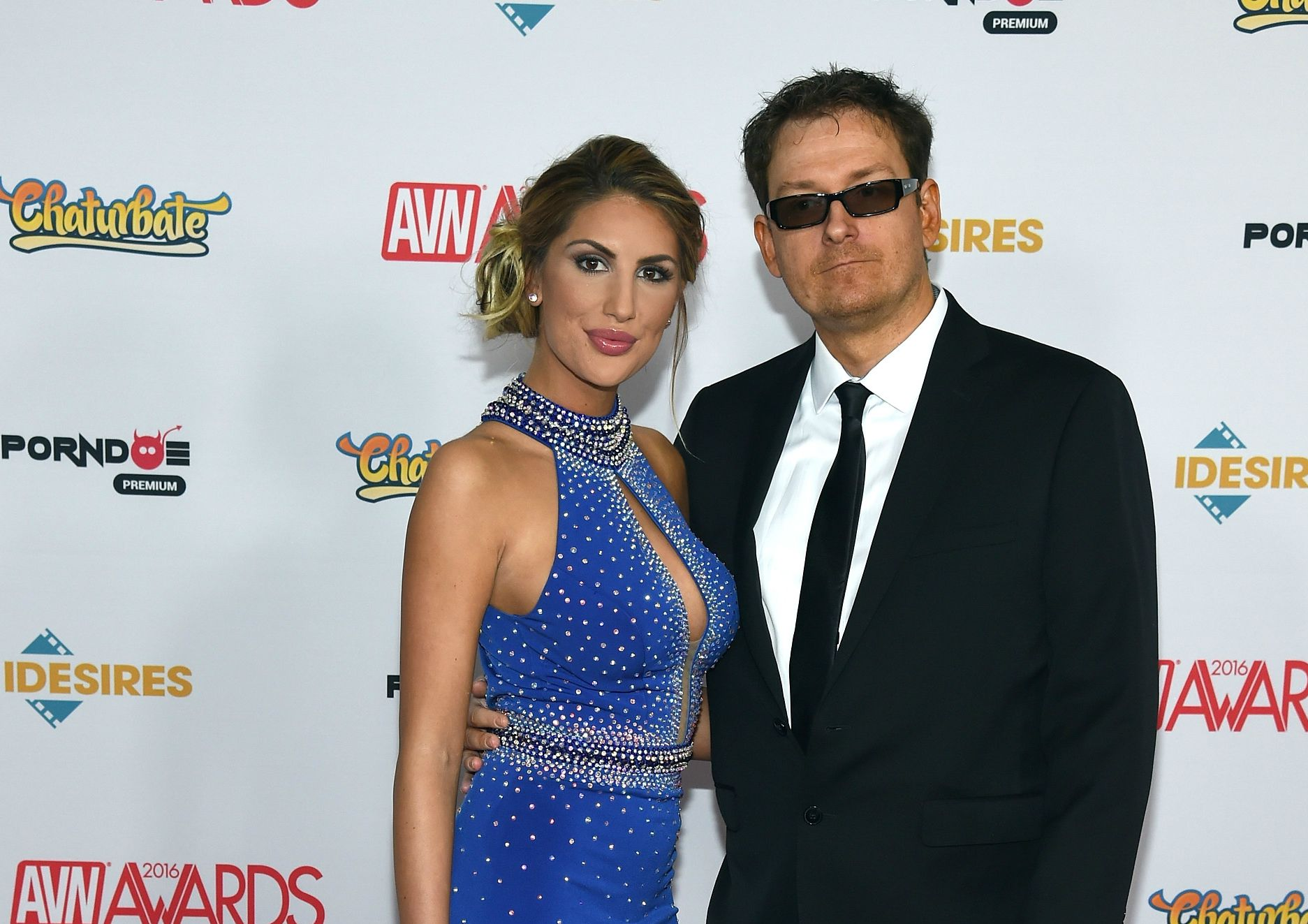 After August Ames Suicide, Husband Kevin Moore Blames Cyberbulling for Porn  Star's Death