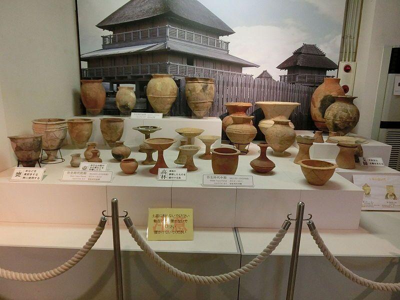 Yayoi_pottery_(Yoshinogari_Site)